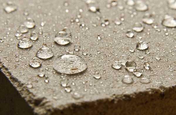 бетон, обработанный составом-гидрофобизатором