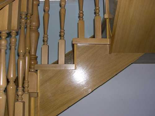 Покрыть лаком деревянную лестницу своими руками 83
