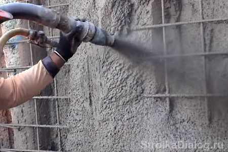 Торкретирование стен огнеупорным бетоном