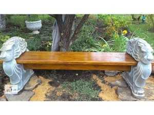 betonnye-skamejki_0 Варианты столов и скамеек для дачи. Скамейка из бетонных плит и досок со спинкой. Скамейка для дачи: инструкция для изготовления