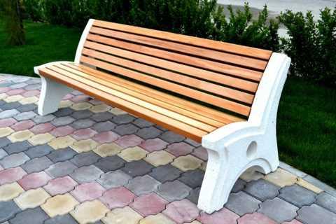 betonnye-skamejki_3 Варианты столов и скамеек для дачи. Скамейка из бетонных плит и досок со спинкой. Скамейка для дачи: инструкция для изготовления
