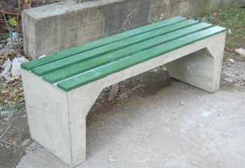 betonnye-skamejki_7 Варианты столов и скамеек для дачи. Скамейка из бетонных плит и досок со спинкой. Скамейка для дачи: инструкция для изготовления